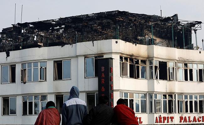 दिल्ली : करोल बाग के अर्पित पैलेस होटल के मालिक की तलाश में जुटी पुलिस