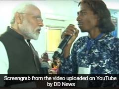 Jharkhand Man Praises Ayushman Bharat In Song, PM Modi In Audience
