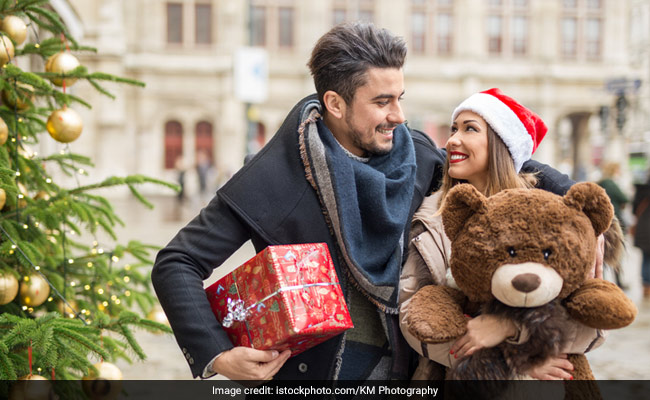 Teddy Day: What Makes Cuddly Teddy Bears Most Popular Gift Among Lovers