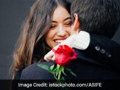 Valentine's Day: कांटों से दिल लगाओ जो ता-उम्र साथ दें, फूलों का क्या... पढ़ें गुलाब नहीं कांटों पर शायरी