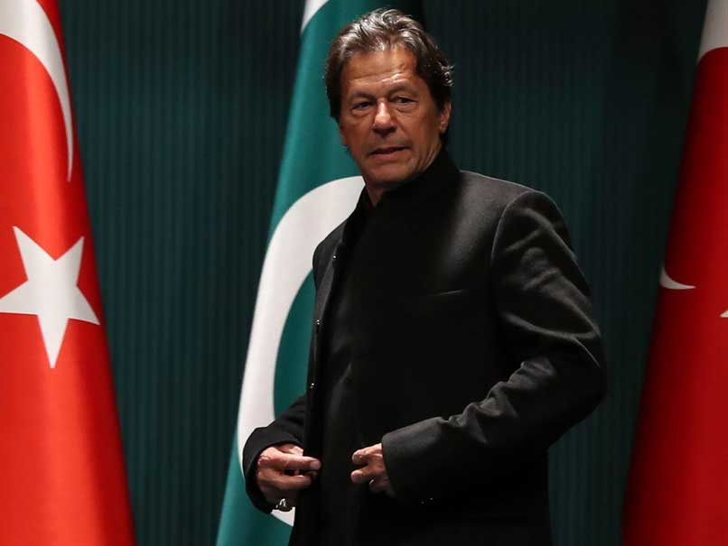India pulls down Imran Khan portraits over Kashmir killings