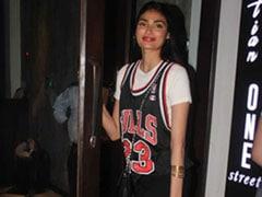 5 Tips To Dress Up A Sports Jersey Like Athiya Shetty