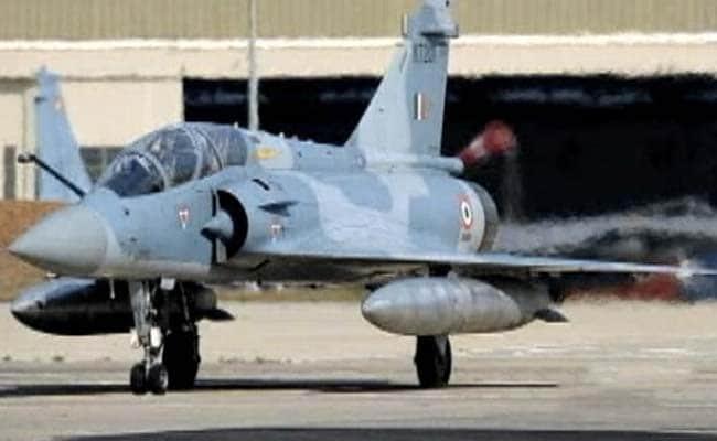 आतंकी कैंप पर हमले के लिए एयरफोर्स ने आखिर मिराज-2000 को ही क्यों चुना?