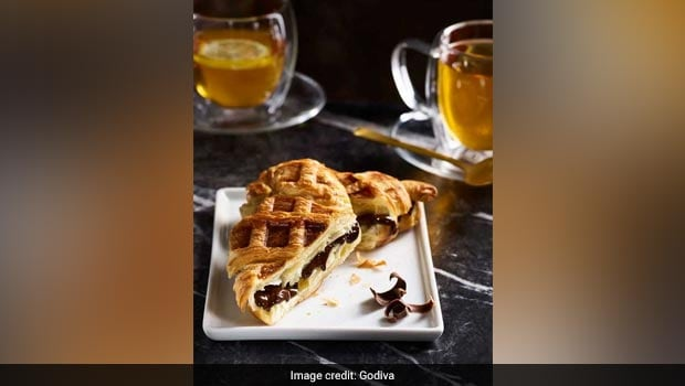 Croiffle: This New York Cafe Sells A Croissant And Waffle Hybrid And We're Already Drooling!