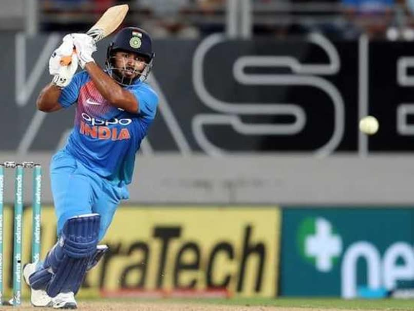 Rishabh Pant comes up with a tweet on Virender Sehwag