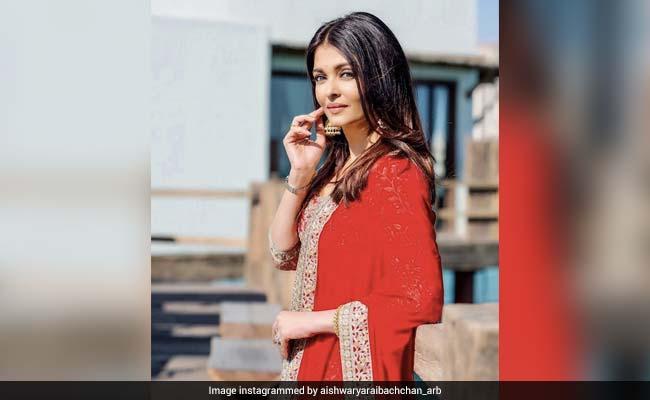 ऐश्वर्या राय बच्चन ने पहनी लाल कुर्ती, इंटरनेट पर मच गया धमाल, देखें वायरल Photos