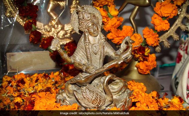 Basant Panchami 2019: 10 फरवरी को है बसंत पंचमी, जानिए पूजा-विधि, मंत्र और महत्व