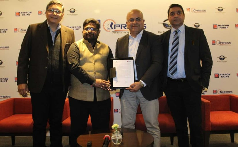 Nippon Paint's President- Sharad Malhotra Signs MoU with Blue Bird Automotive's Director- Amit Sharma