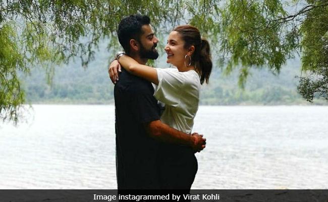 विराट कोहली ने अनुष्का शर्मा संग पोस्ट की रोमांटिक फोटो, कैप्शन तो नहीं लिखा लेकिन...