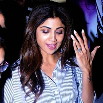 Shilpa Shetty Nails Stripes Again. Get Her Look In These 5 Shirt Dresses