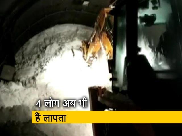 Video : जम्मू-कश्मीर में भारी बर्फ़बारी से 7 लोगों की मौत