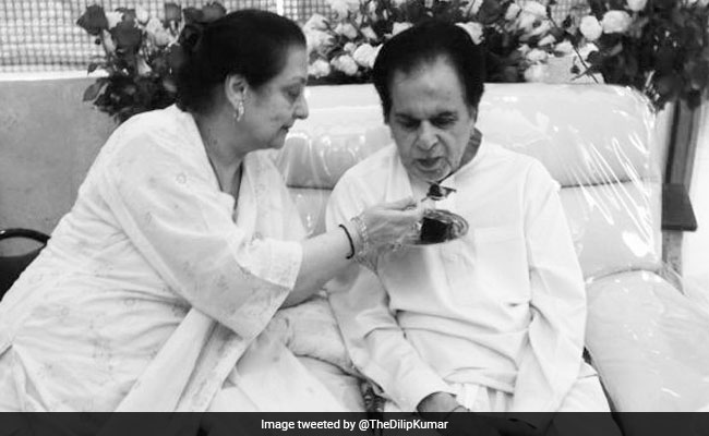 Dilip Kumar's 'Love And Greetings' To Fans On Twitter. Shares New Pic With Wife Saira Banu