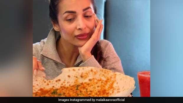 Malaika Arora Sampled 'Monster Khakra' At This Surat Restaurant: See Pics
