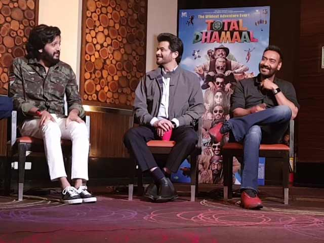 Team Total Dhamaal On Shooting With Animals