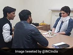 कांग्रेस महासचिव का पद संभालते ही गूंज उठा नारा: 'प्रियंका गांधी आई हैं, नयी रोशनी लाई हैं'