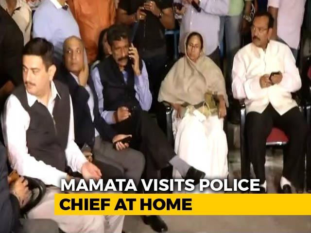Video : Mamata Banerjee On '<i>Dharna</i>' After Kolkata Police-CBI Clash