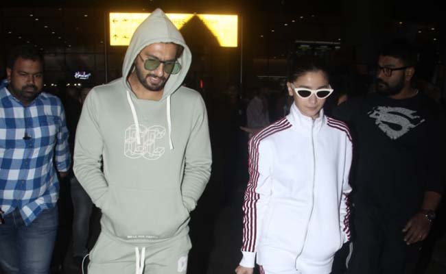 Alia Bhatt's Comfortable Tracksuit Is The Travel Outfit Inspiration We Need. Get Her Look