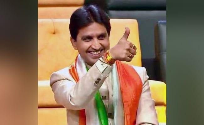 बीजेपी नेता बोले- 24 घंटे में बनाऊंगा सरकार तो कुमार विश्वास बोले- संविधान तुमरो...