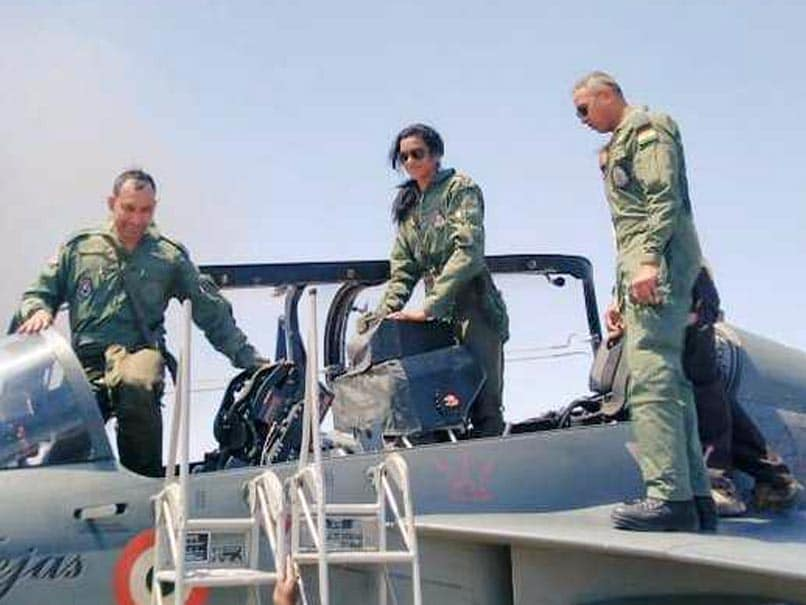 Pv Sindhu flies in fighter jet Tejas, share her experience