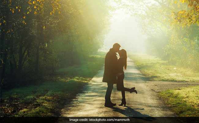 Happy Kiss Day 2019: How You Can Express Your Love For Your Beloved