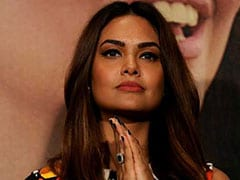 Actress Esha Gupta Writes Apology Letter To Arsenal