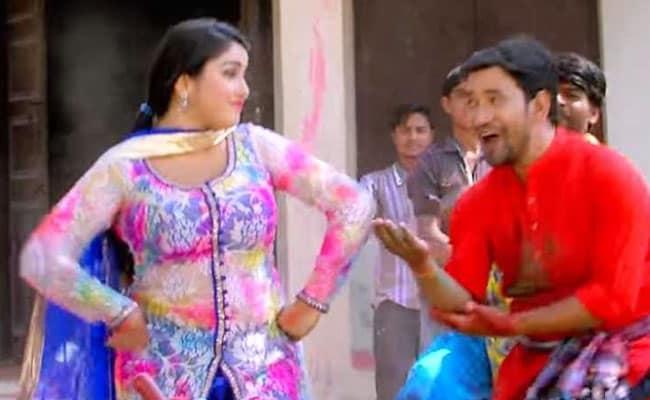 Bhojpuri Cinema: निरहुआ डूबे होली के रंग में, झूमकर बोले- आवा ऐ आम्रपाली निरहुआ रंग डाली- वायरल हुआ Video