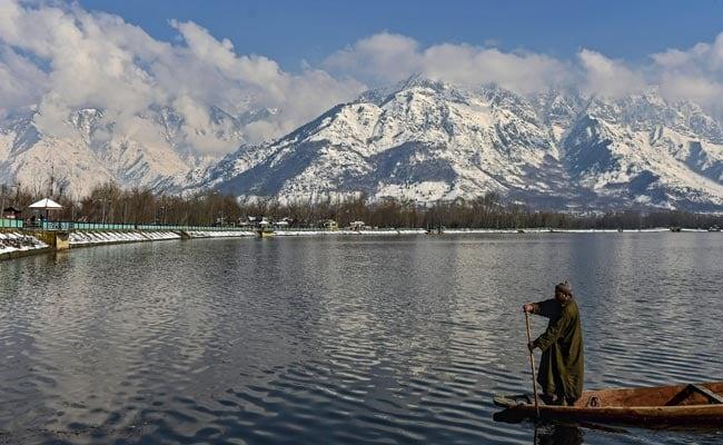 Temperature Dips To Minus 5.7 Degrees In Srinagar, Minus 14.4 In Gulmarg
