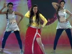 Bhojpuri Cinema: अक्षरा सिंह ने किया धांसू डांस, थिरकने को मजबूर हो गए निरहुआ और आम्रपाली दुबे- देखें Video