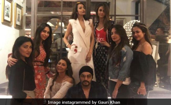 Gauri Khan's Sanchos Date #2 With Malaika Arora, Arjun Kapoor, Karisma Kapoor