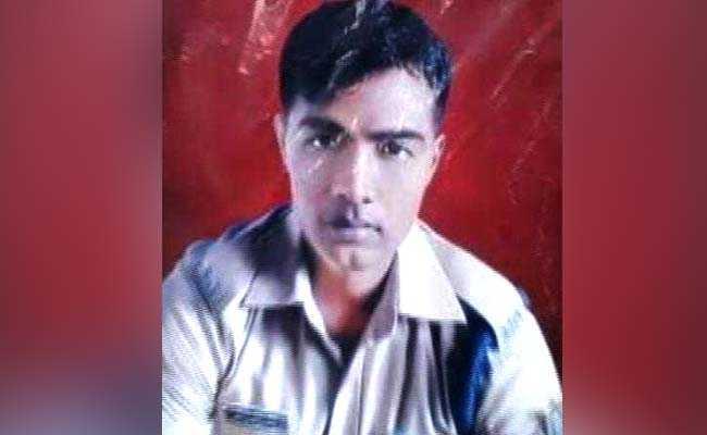 पुलवामा आतंकी हमला: यूपी के देवरिया ने भी खोया एक वीर सपूत, शहीद के पिता बोले- विजय को रह गया इस बात का मलाल