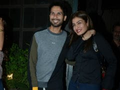 In Pics: Shahid Kapoor And Mira Rajput Catch Dinner With Raveena Tandon And Anil Thadani