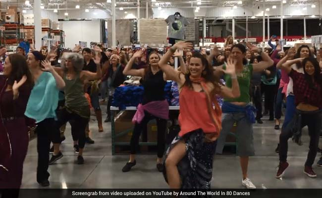 Watch: When London Thumakda Took Over California, Thanks To This Flash Mob