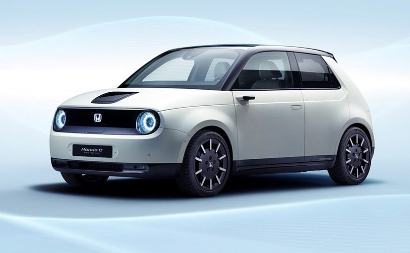 The Honda e gets a 35.5 kWh Lithium-ion high-capacity battery.