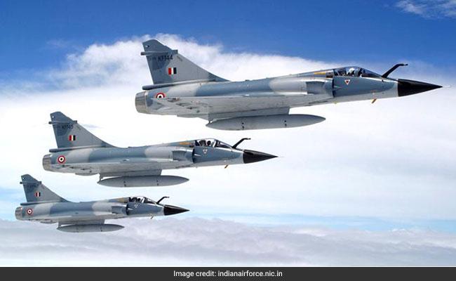 IAF के 12 मिराज फाइटर प्लेन ने पाकिस्तान में घुसकर आतंकी कैंप किये तबाह