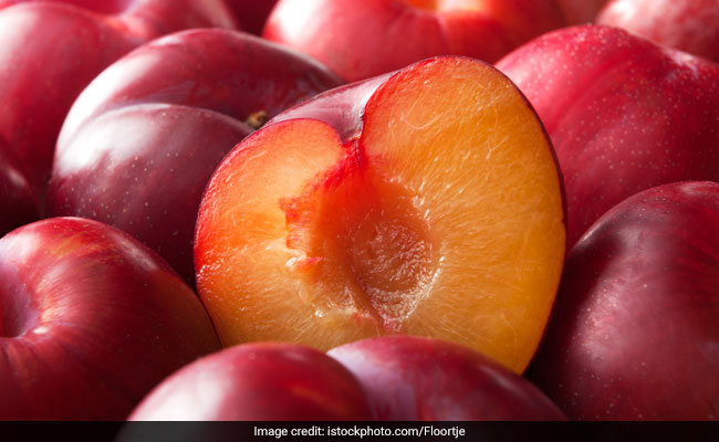 Here's What Happens To Your Body When You Eat Plums (Aloobukhara) Everyday