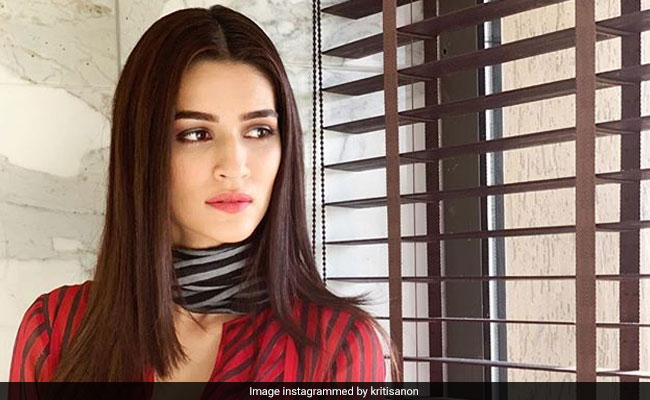 Kriti Sanon Clearly Loves Her Stripes. Get Her Look In These 5 Stylish Pieces