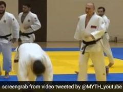महिला जूडो खिलाड़ी ने व्लादिमीर पुतिन को पटका जमीन पर, राष्ट्रपति ने खड़े होकर किया कुछ ऐसा, देखें Video