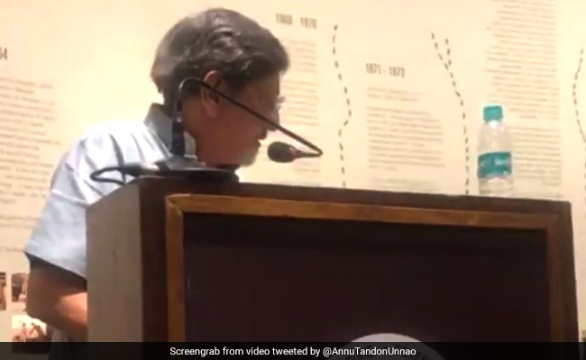 NGMA Hushing Amol Palekar Mid-Speech Is Kaafi Real