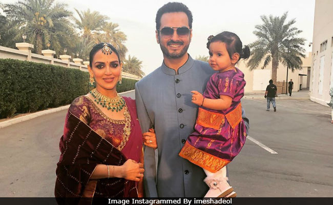 In Pics: Esha Deol Attends Family Wedding With Husband Bharat Takhtani And Daughter Radhya