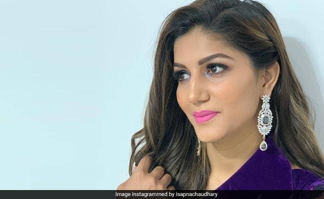 Sapna Choudhary Video: सपना चौधरी 'प्यार आया प्यार आया' पर यूं थिरकीं, वीडियो हुआ वायरल