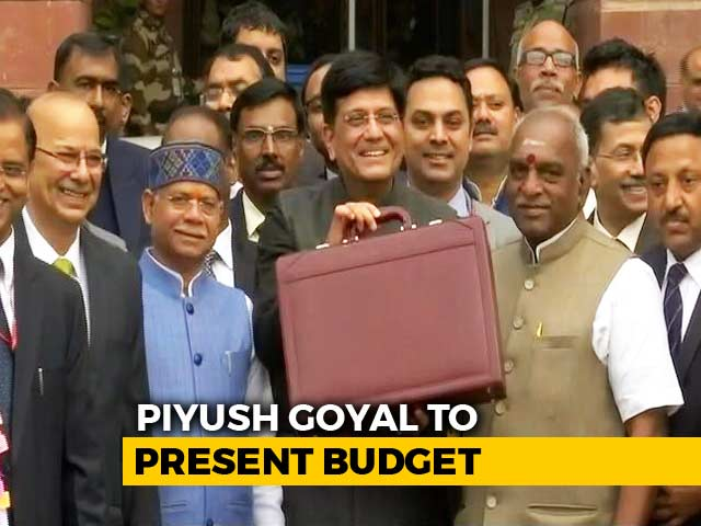 Video : Ahead Of Budget, Union Minister Piyush Goyal With His Briefcase