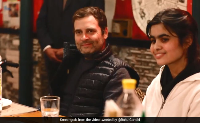 Rahul Gandhi Meets Students To Have 'Open Conversation' On Poll Manifesto