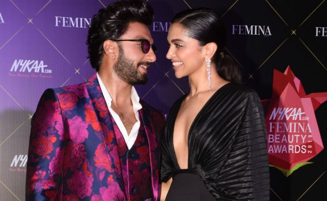 Deepika Padukone And Ranveer Singh Were The Stars Of This Award Show. Enough Said