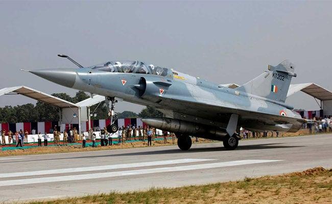 भारतीय वायु सेना ने हटाए बालाकोट एयर स्ट्राइक के बाद हवाई रूटों पर लगाए गए प्रतिबंध, पाकिस्तान ने बढ़ाई मियाद