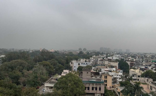 Light Rain, Thundershowers Expected In Delhi, Flights Affected