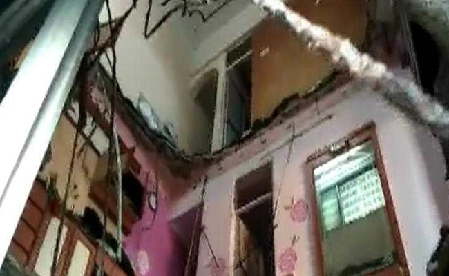 2-Year-Old Girl Among Three Dead After Roof Collapses In Thane Clinic