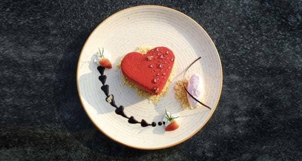 Valentine's Day 2019: 14 फरवरी को मना रहें हैं वैलेंटाइन डे का जश्त, तो साथी को दें ये खास तोहफा...