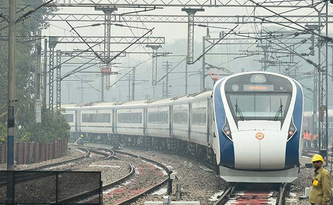 On Inaugural Run, India's Fastest Train Vande Bharat Express Hits 130 Kmph