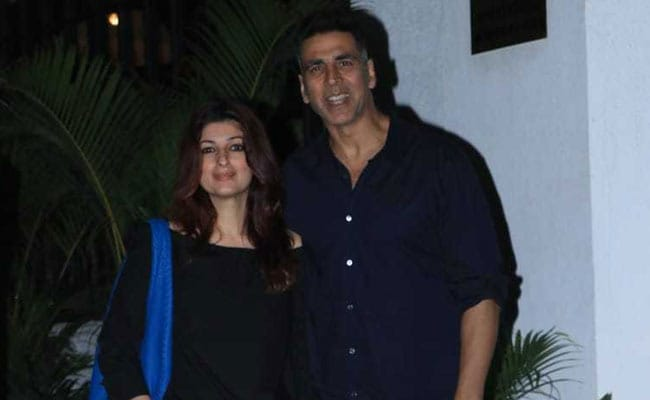Twinkle Khanna And Akshay Kumar, Twinning In Black, Step Out For Dinner Date. See Pics