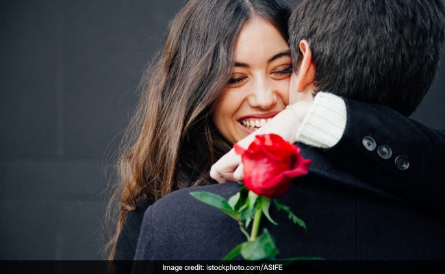 Happy Rose Day 2019: If You Get A Red Rose Today, It May Mean This For You